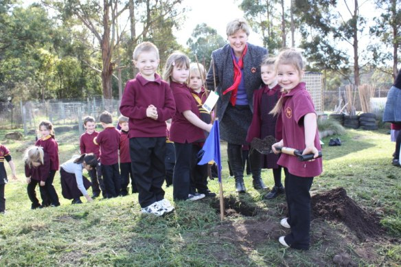 Planting trees with Sam King, Lucinda Moon, Jacob Temple, Courtney Lord and Kayley Penaud